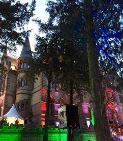 schloss-drachenburg-illuminiert-einzigartige-weihnachtszeit