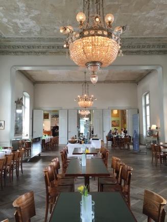 bahnhof-rolandseck-restaurant-kunstlicht-4-interieur no. 253 Restaurant Café Bar Innenraeume