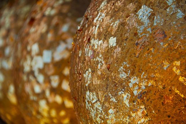 blattgold-gold-kunstlicht