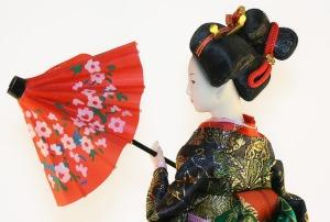 geisha-puppe-kunstfigur-kunstlicht