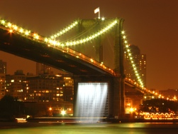 olafur_eliassons_waterfalls_under_the_brooklyn_bridge